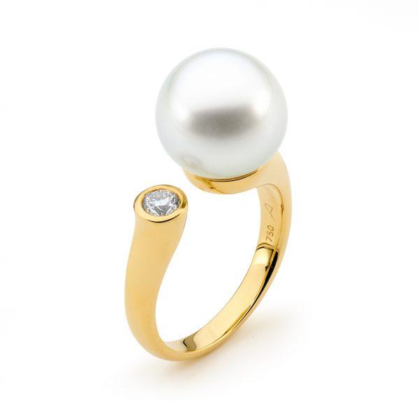 Bezel Diamond Pearl Ring