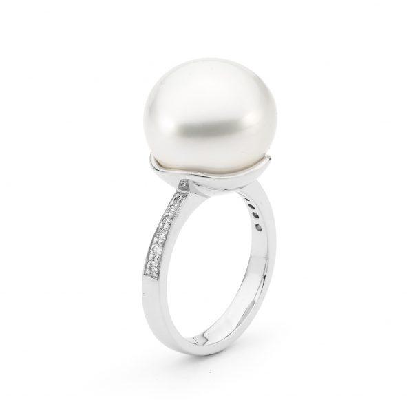 Diamond Baroque Pearl Ring