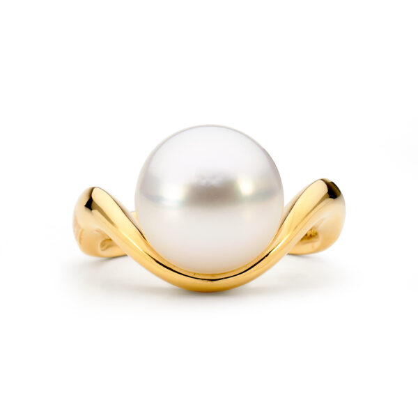 Gold wrap pearl ring