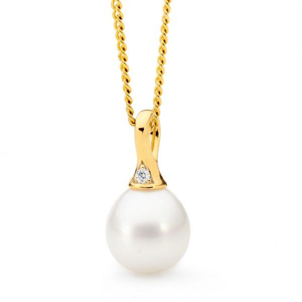 Diamond Pearl Gold Pendant